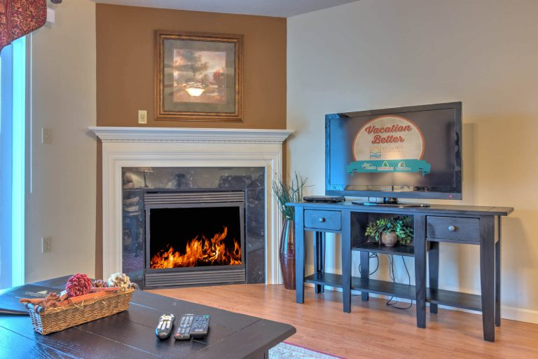 2 Bedroom Condo For Sale in Pigeon Forge Cedar Lodge Vacation Condo 703